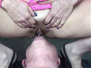 Femdom pissing in mouth