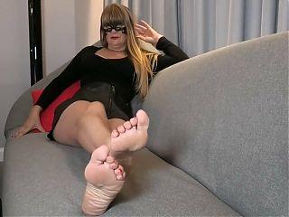 Lady Godivas sexy feet