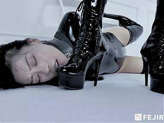 Fejira com, lesbian latex mistress and femdom slave